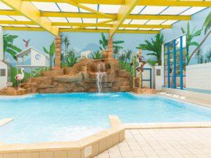 piscine couverte camping près des sables d'olonne
