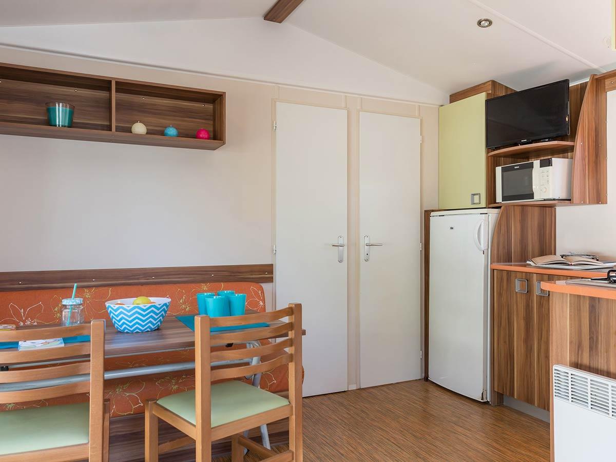 salle de séjour MOBILHOME CARAIBE 4-6 PERSONNES