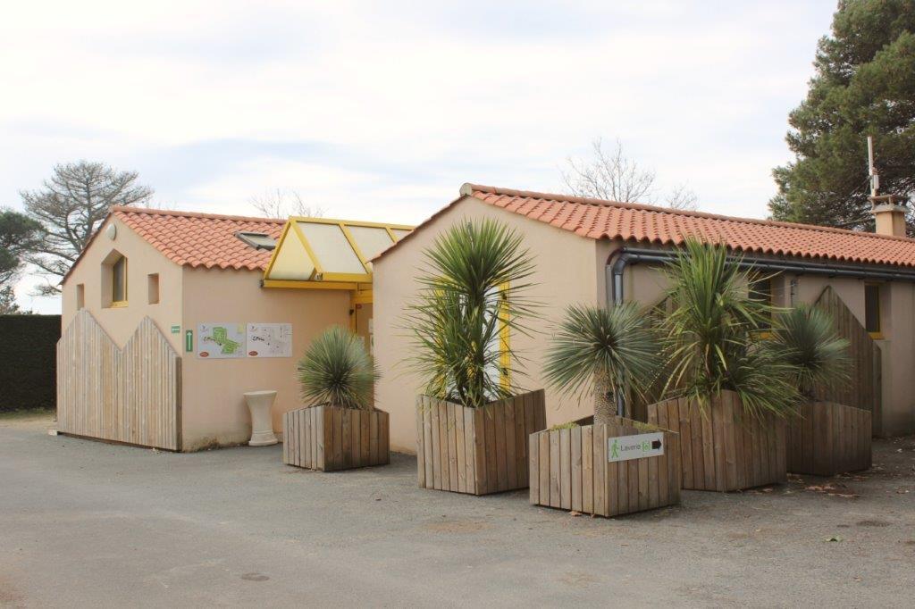emplacements spacieux pour camping car camping Vendée